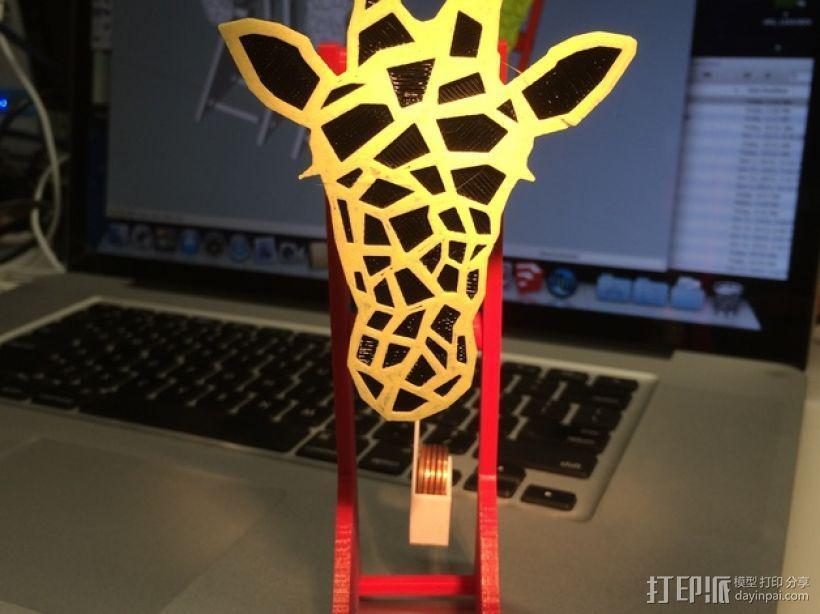 长颈鹿形钟摆 3D模型  图1