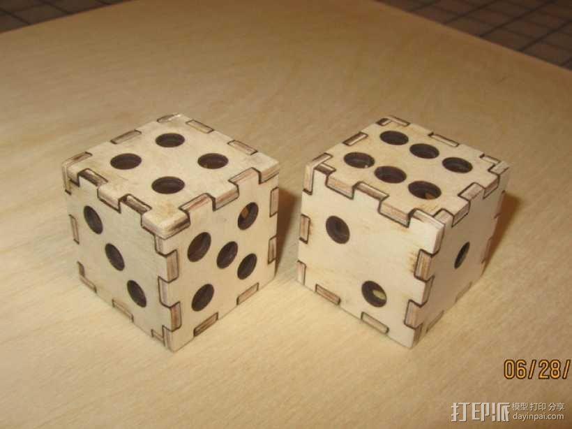 激光切割的镂空骰子 3D模型  图1
