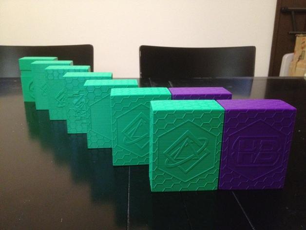 双色Netrunner收纳箱 3D模型  图1