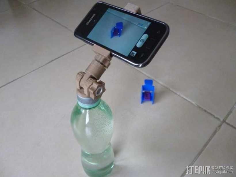 通用瓶盖三脚架 3D模型  图1