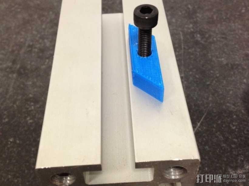自调整T形螺母 3D模型  图1