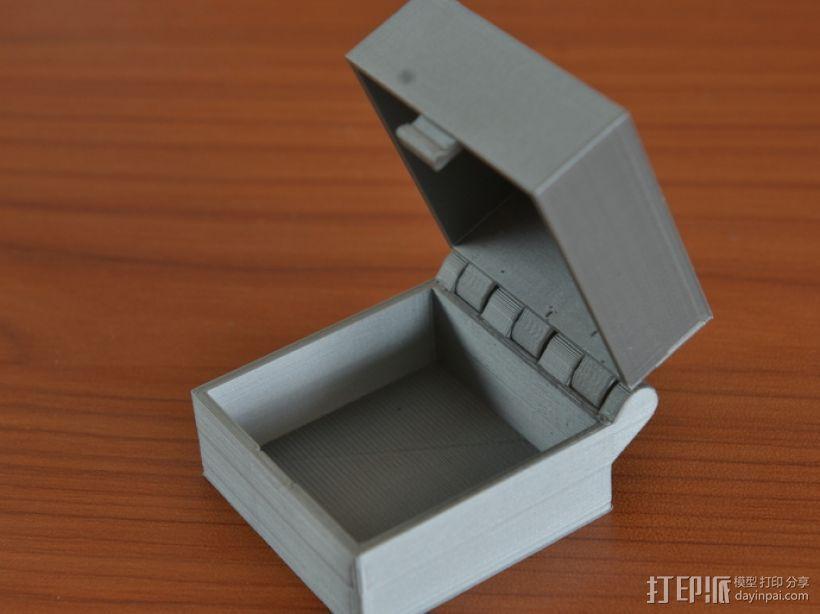 带锁的铰链盒 3D模型  图1