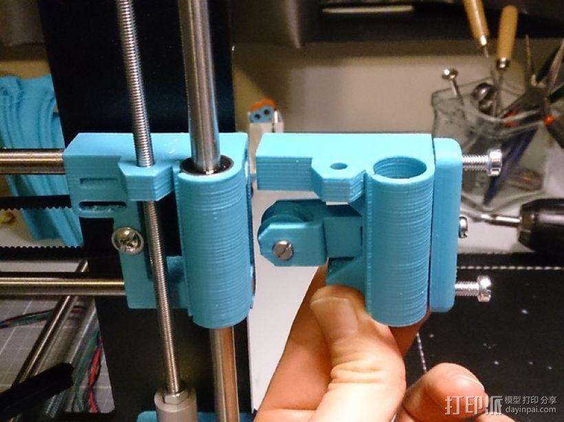 Prusa i3打印机Z轴马达底座和X轴支承辊 3D模型  图1