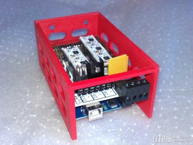 电路板保护外盒 3D模型  图1