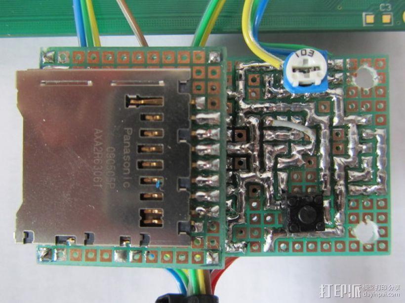 有着蓝色背景灯按钮的独立K8200 3D模型  图6