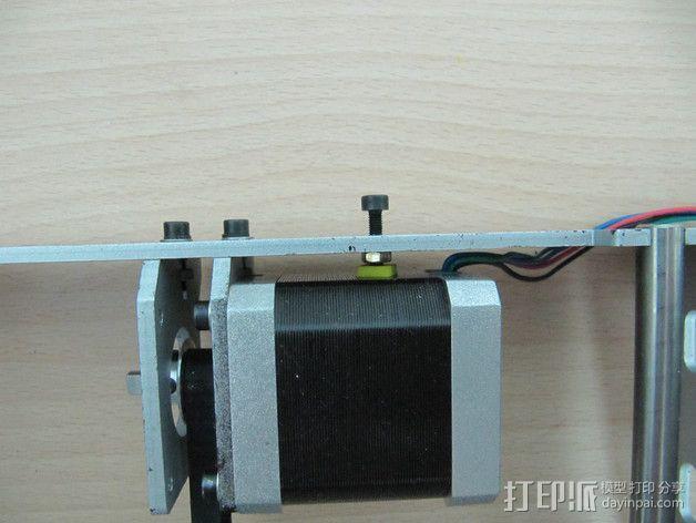 P3打印机Y轴步进马达抗扭动器 3D模型  图1