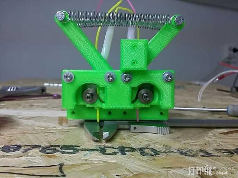 弹簧受压式双挤出机 3D模型  图4