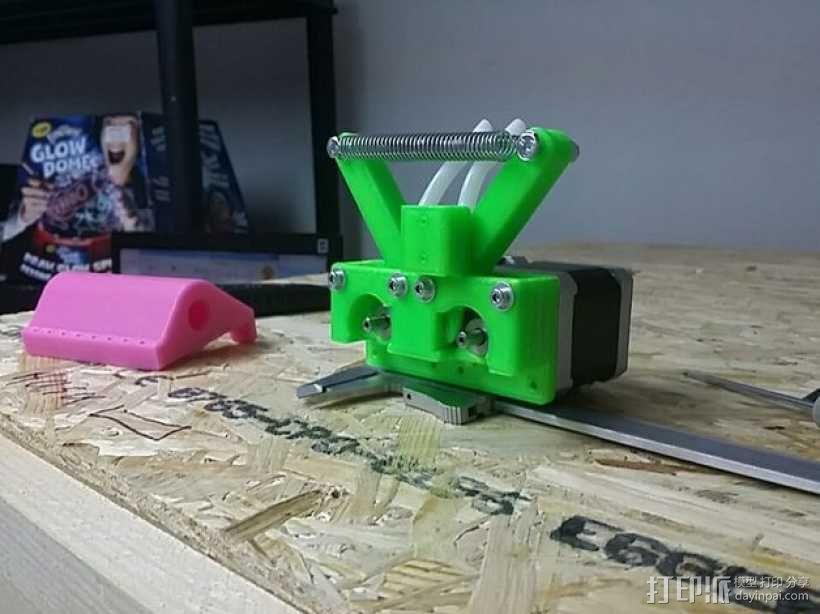 弹簧受压式双挤出机 3D模型  图5