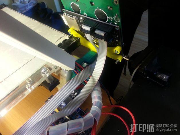 智能控制器液晶显示屏支架 3D模型  图2