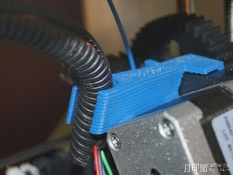 侧边电缆锁固装置 3D模型  图1