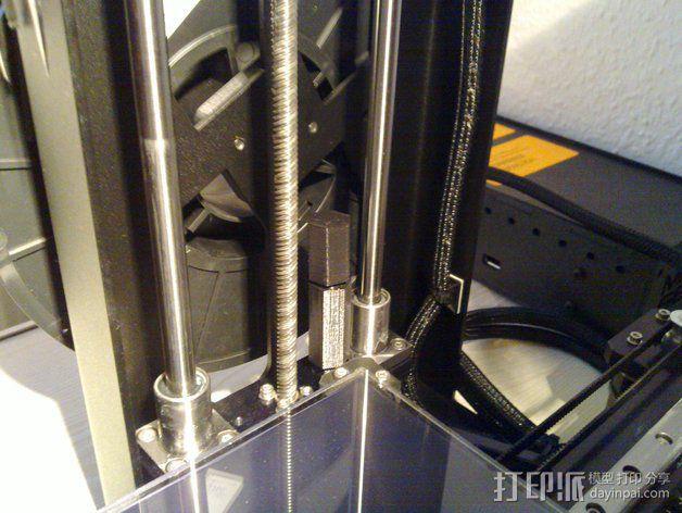 MakerGear M2打印机Z轴螺丝起子和埋头螺母转子 3D模型  图2