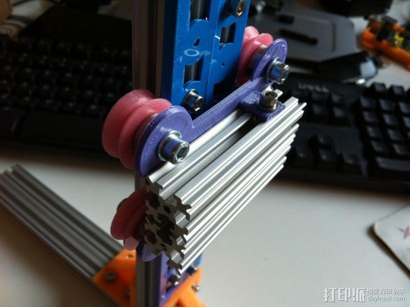 双横梁导轨支撑器 3D模型  图1