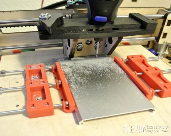 铣削钳 3D模型  图1