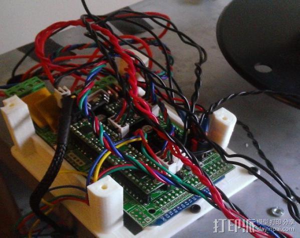 电路板保护框  3D模型  图4