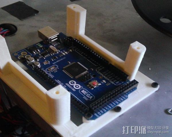 电路板保护框  3D模型  图3