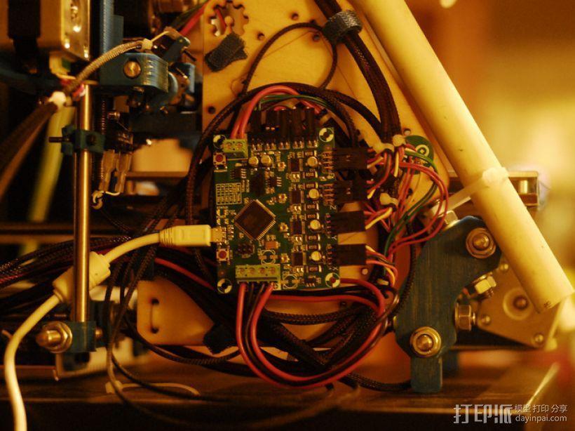 控制器电路板 3D模型  图4