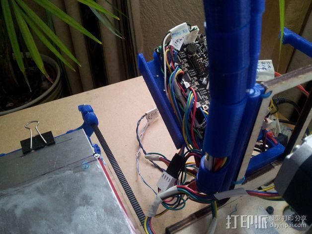 导线器装置 3D模型  图13