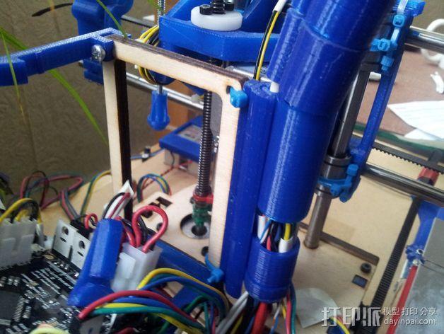 导线器装置 3D模型  图15