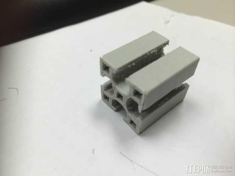 铝梁 3D模型  图1