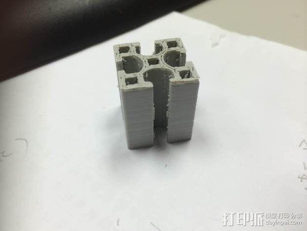 铝梁 3D模型  图3