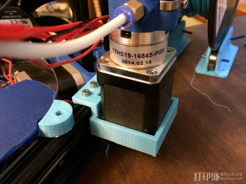 Kossel Mini打印机的齿轮步进挤出机支架 3D模型  图1