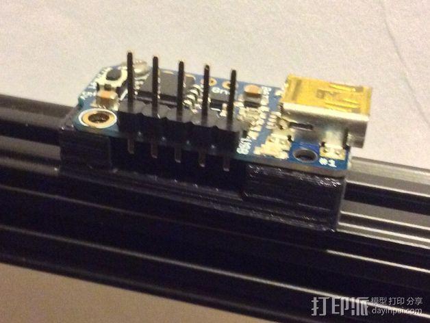Adafruit Trinket 控制器固定架 3D模型  图2