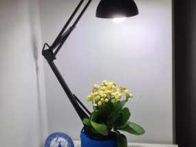 花盆 -- 灯架 3D模型