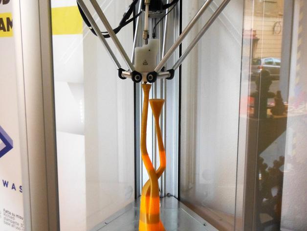 曲线形烛台 3D模型  图1