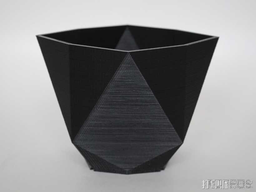 几何形花瓶 3D模型  图1