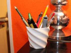 螺旋形花盆/笔筒 3D模型