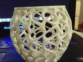 环形镂空花瓶 3D模型