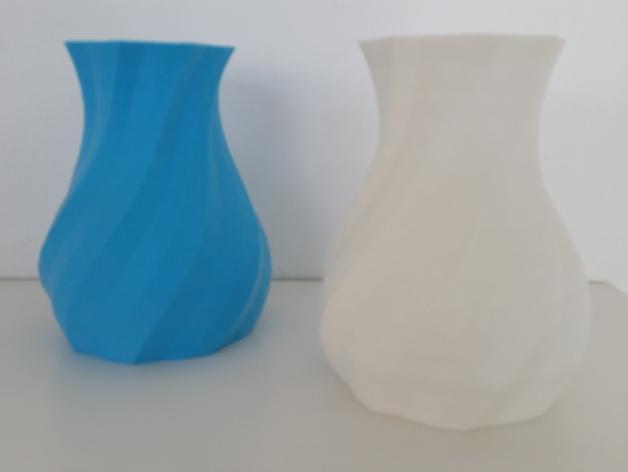 多变圆形花瓶 3D模型  图1