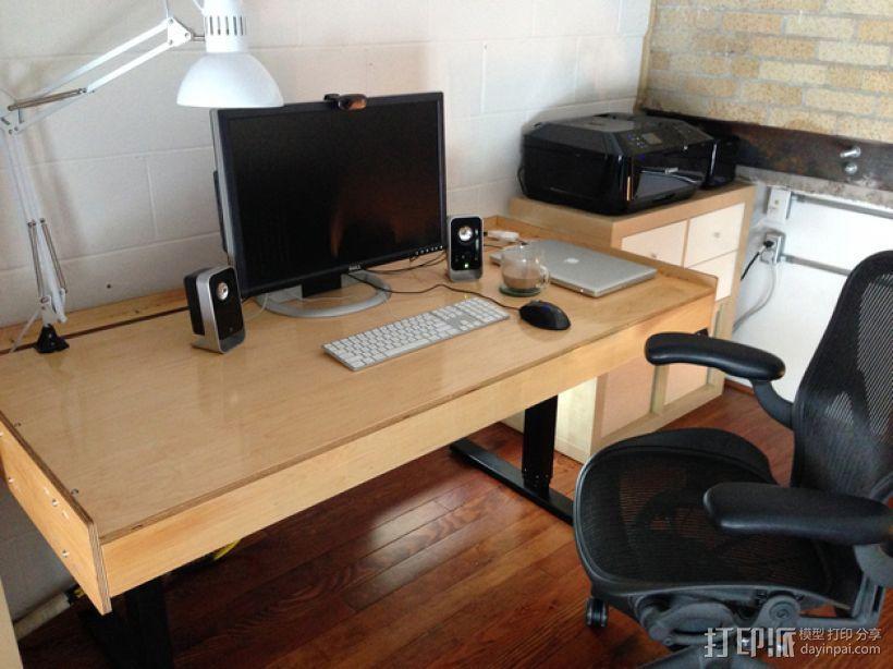 数控切割可调节高度的桌子 3D模型  图1