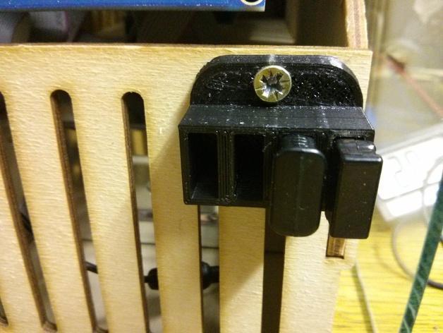 壁挂式USB盒 3D模型  图1