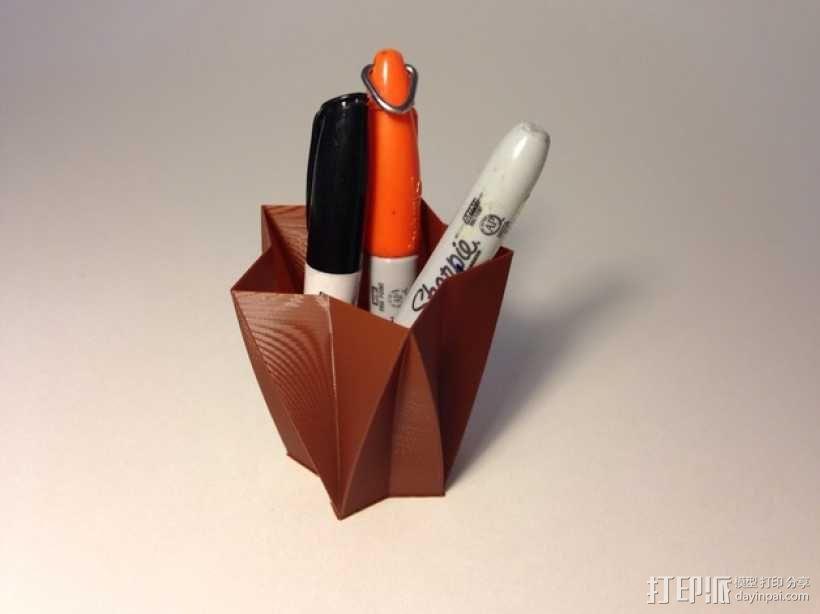 定制化星形花瓶/笔筒 3D模型  图1