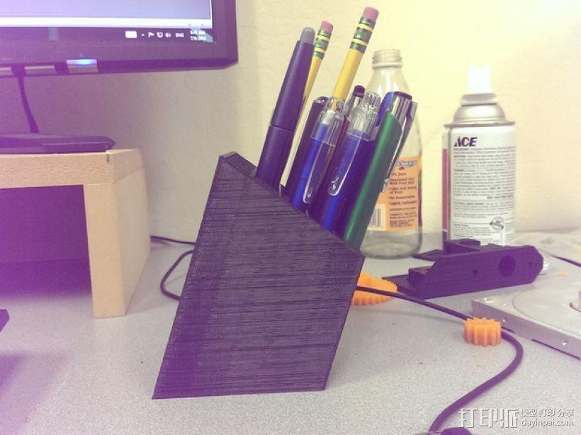 有角度的笔杯/笔筒 3D模型  图3