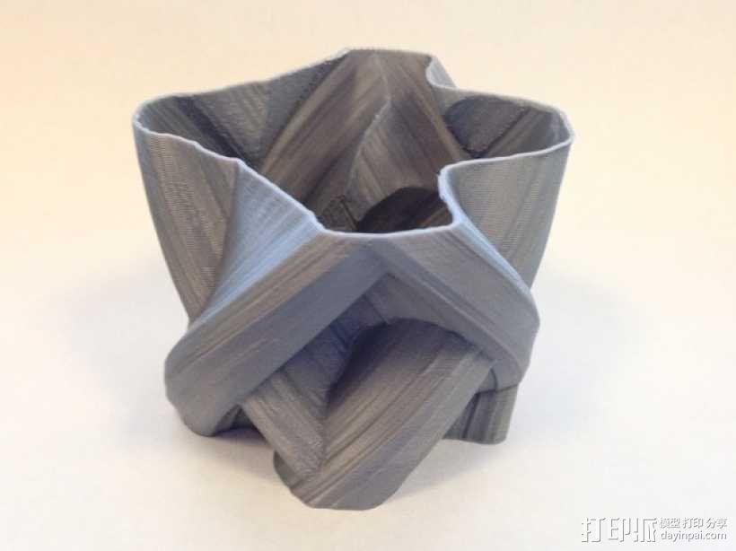 定制化自由风格花瓶 3D模型  图1