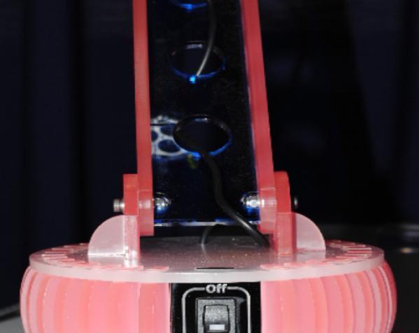 激光切割MR16 LED台灯 3D模型  图2