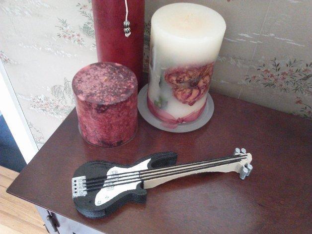 吉他形小盒 3D模型  图1