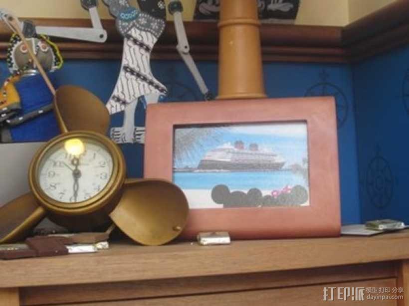 迪士尼螺旋桨形钟表框架 3D模型  图1