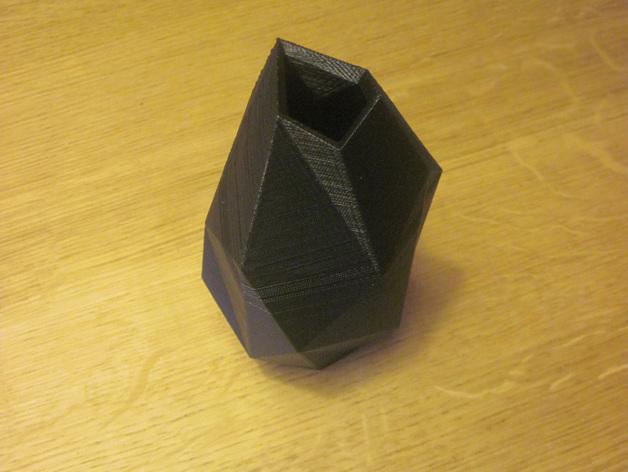 低面数花瓶 3D模型  图2