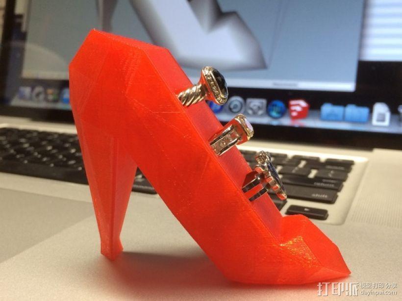 高跟鞋形戒指架 3D模型  图1
