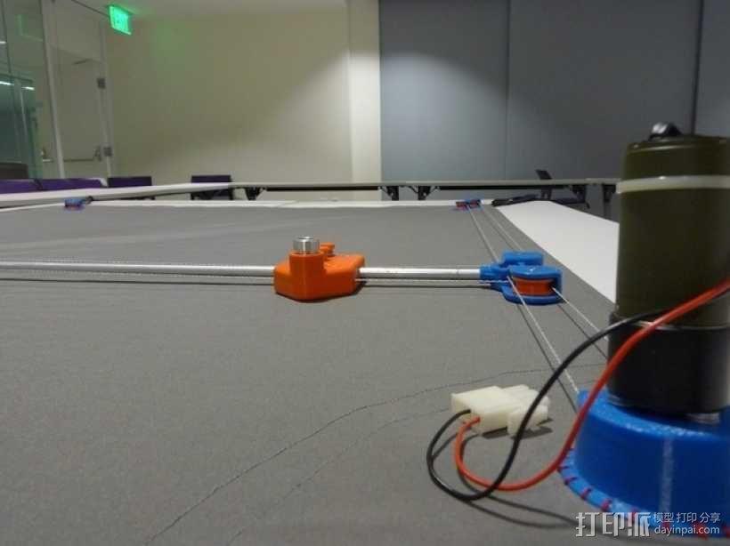 桌布上的机器人 3D模型  图1