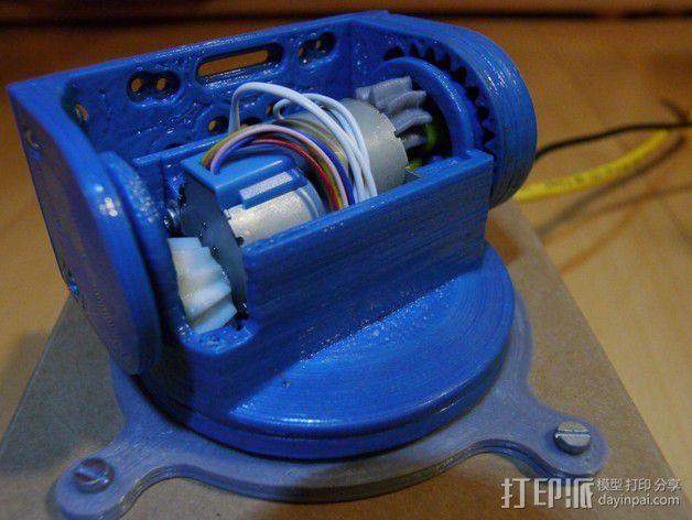 摄像头和小型DSLR的360度轮盘和倾斜头 3D模型  图4