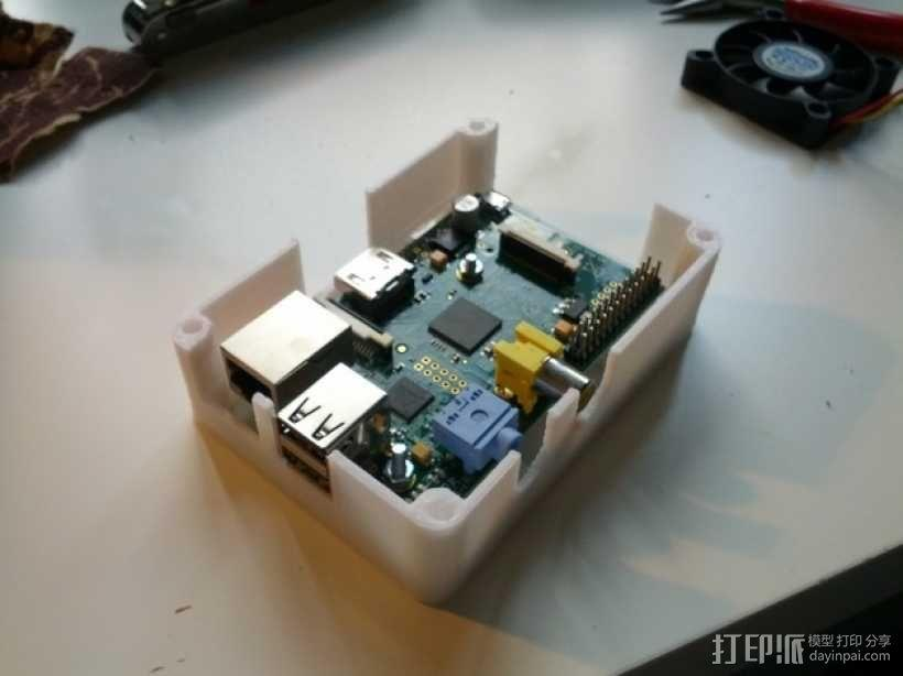便携式树莓派电路板外壳 3D模型  图5