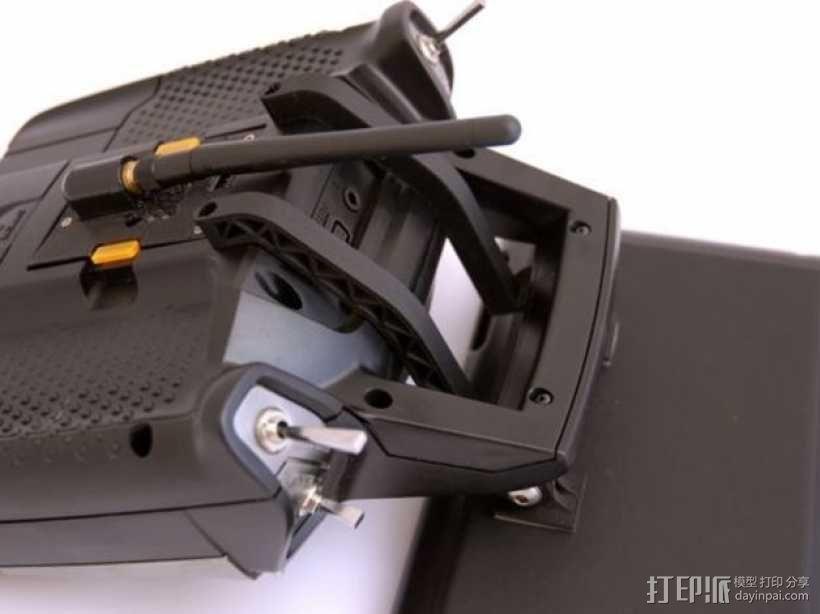 Turnigy 9XR发射机连接支架 3D模型  图1