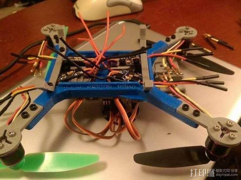 迷你180四轴飞行器 3D模型  图2