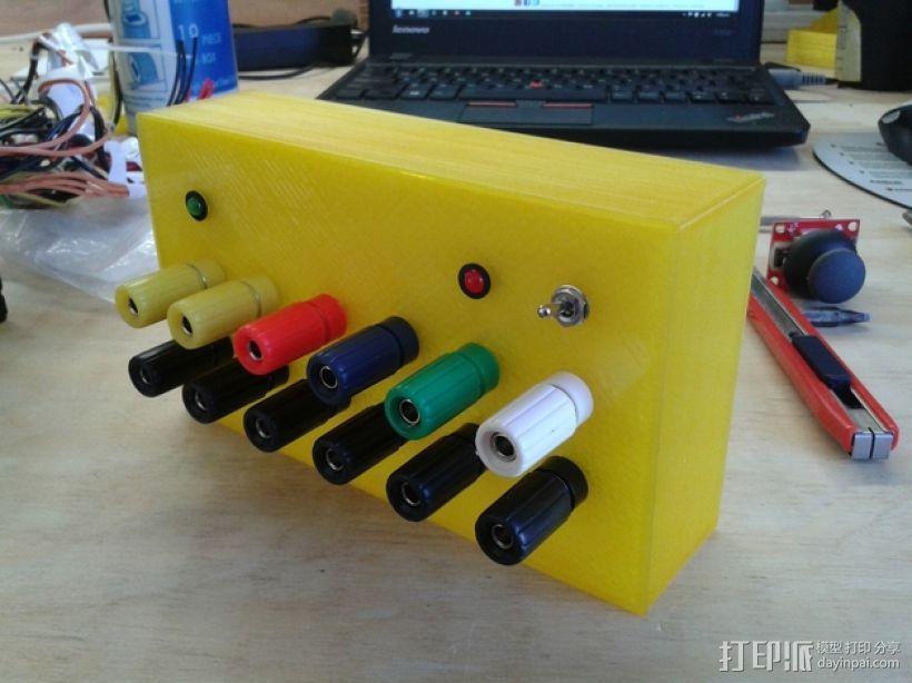 香蕉插座 面板 3D模型  图3