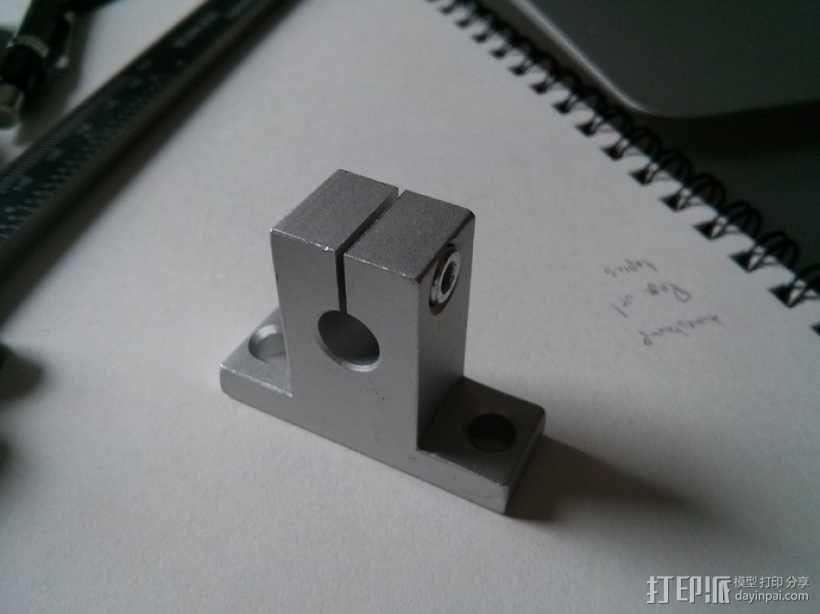 线性承轴支撑装置 3D模型  图2
