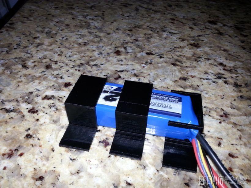 SK 450电池固定夹 3D模型  图1
